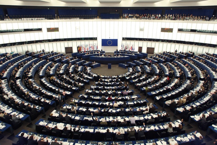 parlament_1134_759.jpg