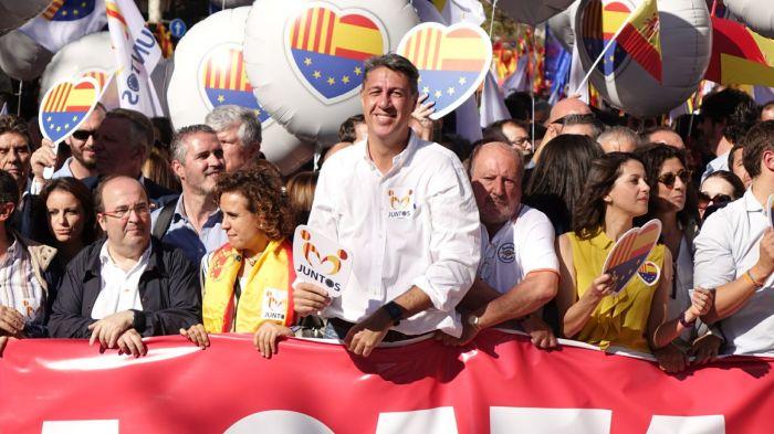 Iceta, Albiol, Montserrat, Levy manifestació unionista 29-O Roberto Lázaro.jpg