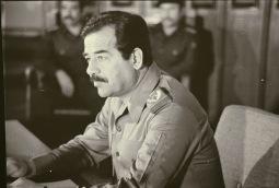 Saddam H enero 80 (6).jpg